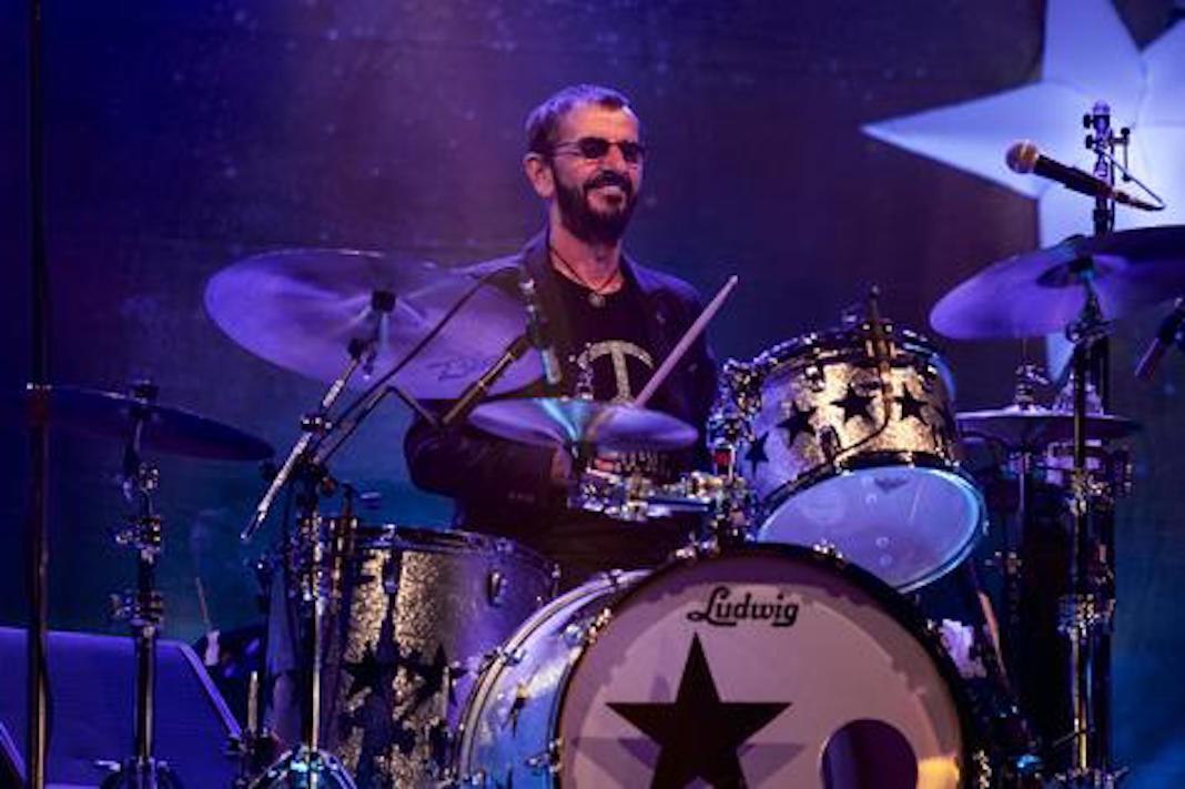 El mítico Ringo Starr cumple 80 años | PalabrasClaras.mx