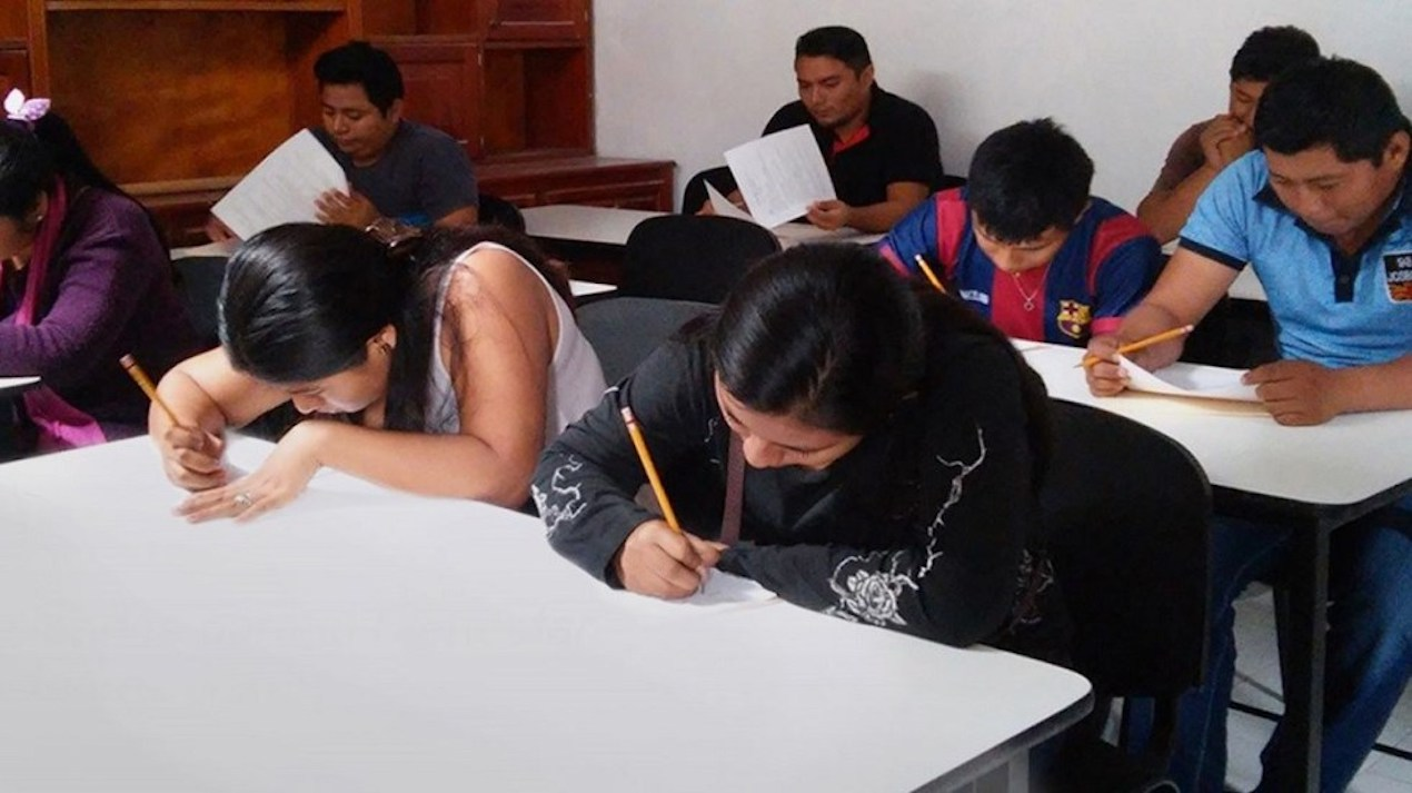 Colegiaturas de escuelas privadas en Veracruz les descuentan hasta el 75 por ciento, en inscripciones también